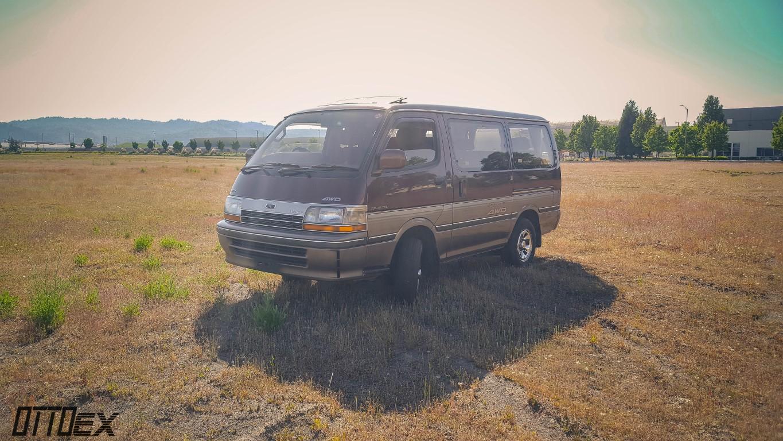 d0fdf62a4c8654 1992 Toyota HiAce Super Custom - OttoEx