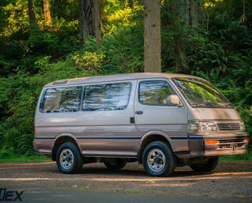A Toyota Hiace 4WD Van in Portlnad, OR by Ottoex, 1kZ Engine